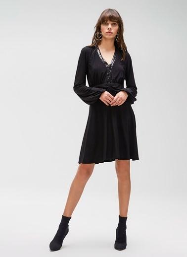 People By Fabrika Payet Detaylı Elbise Siyah